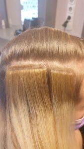 Tape-in vagy ragasztócsíkos hajhosszabbítás